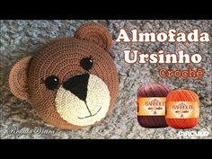 Luty Artes Crochet: Almofada em Crochê + Passa a passo Crochet Pouf, Crochet Carpet, Crochet Pillow, Love Crochet, Crochet Gifts, Crochet For Kids, Crochet Hooks, Crochet Baby, Crochet Waffle Stitch