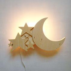 Lampe applique Lune en Bois COPYRIGHT Creme Anglaise.