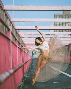 cool Breathtaking Portraits Of Ballet Dancers Practicing On The Streets Of New York