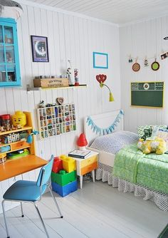 vintage kids bedroom..