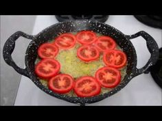 Öyle Nefis Bir Kahvaltılık Ki, Hergün Yapsanız Bıkmazsınız! Aşırı Kolay Ve Nefis Soslu Domates Tava - YouTube Breakfast Set, Griddle Pan, Grilling, Snacks, Make It Yourself, Cooking, Easy, Food, Strong Women