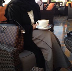 Find images and videos about fashion, style and hijab on We Heart It - the app to get lost in what you love. Street Hijab Fashion, Abaya Fashion, Modest Fashion, Beautiful Dresses For Women, Beautiful Hijab, Stylish Girls Photos, Girl Photos, Dubai Fashionista, Mode Abaya