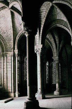 Abbey of St Denis  stdenabb2.jpg - 123.9 K