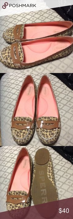 Sperry Topsiders Great condition, very comfortable. Sperry Top-Sider Shoes Flats & Loafers