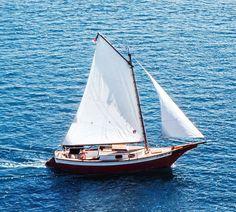 Boat Building Plans, Building A Pool, Old Boats, Sail Boats, Sailboat Plans, Small Sailboats, Plywood Boat Plans, Naval, Diy Boat