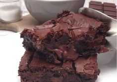Sweet Desserts, No Bake Desserts, Sweet Recipes, Banana Brownies, Pudding Cake, Hot Fudge, Banoffee, No Bake Cake, Wine Recipes