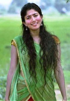 Premam Malar Sai Pallavi hot images Beautiful Saree, Beautiful Indian Actress, Indian Celebrities, Beautiful Celebrities, Katrina Kaif Bikini Photo, Sai Pallavi Hd Images, Kerala Bride, Indian Star, Bride Poses