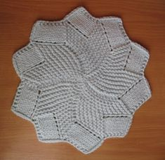 Share Knit and Crochet: Knit coaster pattern Loom Knitting Scarf, Lace Knitting, Knitting Stitches, Knit Crochet, Crochet Pattern, Free Pattern, Knitted Washcloths, Knit Dishcloth, Knitted Blankets