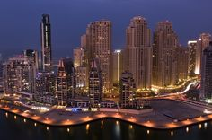 Quiet times - Dubai Marina! by Prashant Naik on 500px