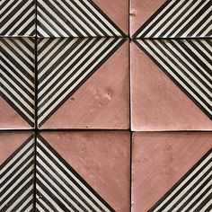 Beautiful tile and a bold design from tabarka studio Design Blog, Deco Design, Tile Design, Design Ideas, Floor Patterns, Tile Patterns, Textures Patterns, Hotel Art Deco, Terracotta Floor