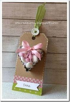 tag con tagliabiscotti e confetti