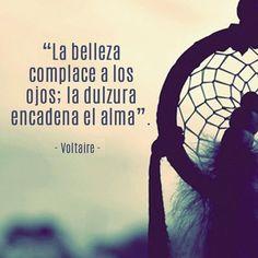 """""""La belleza complace a los ojos; la dulzura encadena el alma"""". - Voltaire. Frases #AcanthaGirl #AcanthaNails Contáctanos en Panamá al…"""