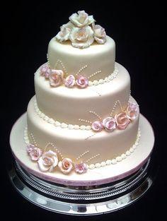 Mini gumpaste roses cake :)