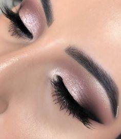 Makeup Eye Looks, Day Makeup, Eye Makeup Tips, Makeup Trends, Eyeshadow Makeup, Eyeliner, Makeup Ideas, Makeup Products, Pretty Eye Makeup