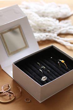 DIY boite à bijoux : Apprenez à réaliser une magnifique boite à bijoux en recyclant votre box de Noël 1.2.3 x Artlex, box DIY de customisation mode.