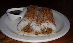 Variatie op lemper ajam: sushi rijst gevuld met rundergehakt, sereh, flink wat seroen deng, 2 sjalotjes en brocolie heel klein gesneden. Bruine suiker en boeboe Roedjak van toko lien. Met sushi matje deze rol maken. Daarna bestrooien met sesamzaadjes met soja smaak. Serveren soja saus.