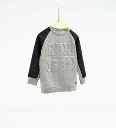 "Image 1 of ""RUN sports sweatshirt from Zara Sports Sweatshirts, Boys Hoodies, Baby Kids Wear, Polo Outfit, Zara Boys, Jogging, Kids Running, Stylish Boys, Kids Fashion Boy"