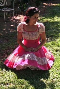 I would love to have a longer version of this dress for Easter. 50s Dresses, Dance Dresses, Pretty Dresses, Vintage Dresses, Beautiful Dresses, Pink Fashion, Fashion Outfits, Dress Sites, Dance Fashion