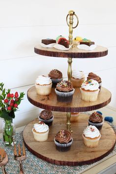 10 Stylish Items for Holiday Entertaining - The Inspired Room Perfect Cupcake Recipe, Wood Cupcake Stand, School Cupcakes, Wooden Bread Board, Trunk Furniture, Elegant Cupcakes, Wood Resin Table, Holiday Cupcakes, Pallet House
