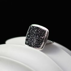 Charcoal Glitter Ring. Markheddesign.com