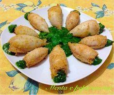 """La""""Ricetta Totani ripieni al forno con salsa al prezzemolo"""" è un secondo classico, impreziosito con una squisita salsa al prezzemolo,un abbinamento perfetto Fish Pasta, Finger Foods, Nutella, Potatoes, Salsa, Vegetables, Carne, Dolce, Cheesecake"""