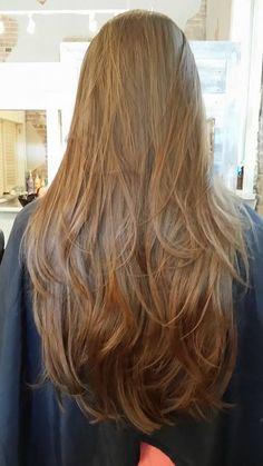 Haircuts For Long Hair, Long Hair Cuts, Hairstyles Haircuts, Long Hair Styles, Brown Blonde Hair, Brunette Hair, Blonde Honey, Medium Blonde, Brunette Color