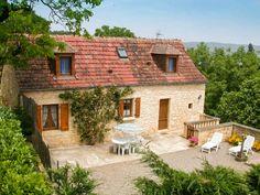 Les Figuier. Location de gite en Dordogne. Cette maison indépendante de charme est parfaite pour des vacances en famille.