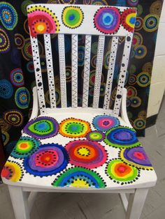 Love the colorful circles on this chair!