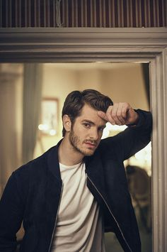 Andrew Garfield Photographed by Charlie Gray for GQ Magazine Andrew Garfield, Avatar 3d, Hollywood Actor, Hollywood Celebrities, Classic Hollywood, Hot British Actors, Youtubers, All The Young Dudes, Young Actors