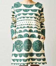 Oversized pattern. Simple cut.