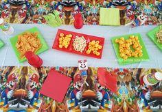 decoración de mesa de cumpleaños mario bros Yoshi, Minions, Mario Y Luigi, O Pokemon, Birthday Table, Desserts, Food, Gluten Free Treats, Decorated Cakes