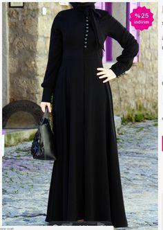 Hijab Style Dress, Hijab Chic, Hijab Outfit, Abaya Style, Niqab Fashion, Muslim Fashion, Fashion Dresses, Fashion Styles, Mode Abaya