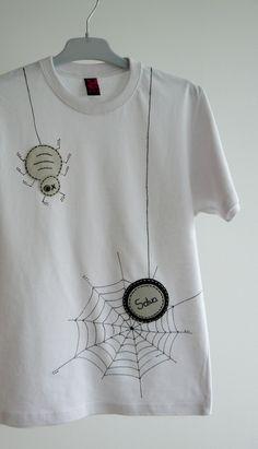 """Camiseta """" Spider..."""" / punt a punt - Artesanio"""