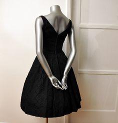 Clásico Vestido Negro