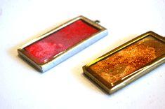 Overflowing resin pendants