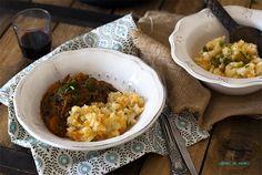Goulash picante de rabo de toro y puré rústico