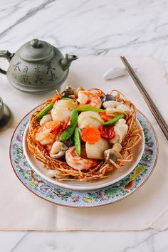 The Chinese Seafood Bird Nest is a seafood lover's delight, often served at Chinese restaurants specializing in Cantonese cuisine. Here's how to make it.