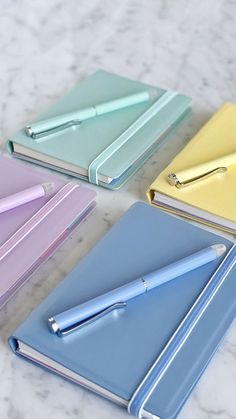 Taking down notes can be a real pleasure with pretty pastel Filofax Notebook with color coordinated elastic closure and matching pastel indices! Stationary School, Cute Stationary, School Stationery, Stationary Notebook, A Notebook, Stationary Supplies, Korean Stationery, Stationery Store, Leather Notebook