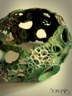 DIY Organic Fimo Bangle - Basic Videotutorial step by step Fimo Polymer Clay, Polymer Clay Bracelet, Metal Clay Jewelry, Ceramic Jewelry, Diy Jewelry, Jewellery, Organic Polymer, Clay Design, Ceramic Design