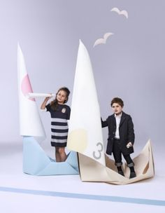 possibility for studio shoot How awesome are these massive paper boat props. This whole photoshoot has such wonderful accents. Kids Fashion Photography, Photography Props, Creative Photography, Children Photography, Kids Studio, Creative Poster Design, Paper Crafts Origami, Boy Poses, Birthday Photos