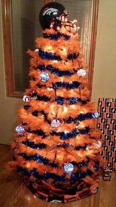 Denver Broncos Christmas Tree Please girlfriend! I need a broncos tree! Broncos Gear, Go Broncos, Denver Broncos Football, Broncos Fans, Cincinnati Bengals, Broncos Memes, Broncos Logo, Football Stuff, Football Memes