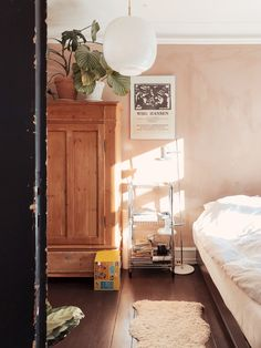 På besøg hos Sarah som ejer General Store på Østerbro - Mor til Mernee Minimalist Home, Home Bedroom, Bedroom Interior, Room Inspiration, Living Room Interior, Interior Design Bedroom, Trending Decor, Home Decor, Home Deco
