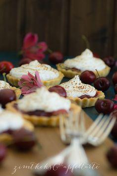 """Bake together"" Kirsch-Meringue-Mini-Pies - Zimtkeks und Apfeltarte"