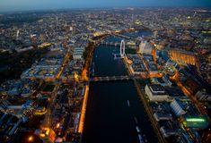 maaagda: London @ night - by Jason Hawkes
