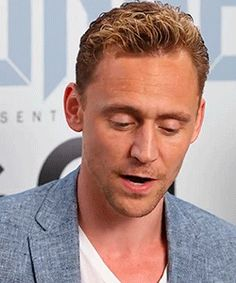 Tom Hiddleston at SDCC. This man is getting more handsome every day...