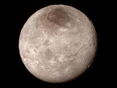 NASA zveřejnila první detailní snímek Pluta, není to hrouda mrtvého kamení– Novinky.cz