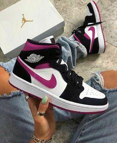 Dr Shoes, Cute Nike Shoes, Swag Shoes, Cute Nikes, Cute Sneakers, Nike Air Shoes, Hype Shoes, Shoes Sneakers, Jordan Sneakers