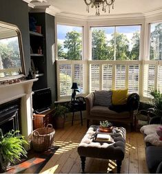 Dark Living Rooms, Living Room Green, My Living Room, Home And Living, Home Design Decor, Interior Design Living Room, Living Room Designs, Home Decor, Victorian Living Room