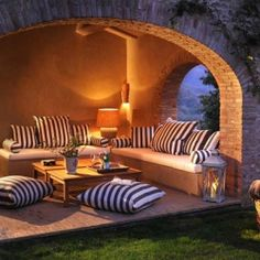 Italian home Spinaltermine Villa  Click on it to get tour of whole house...beautiful!