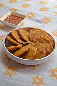 Dudhi Jowar Dhebra - another famous snack or farsan from the land of Gujarat. Dhebra is a popular breakfast item which is deep fried, puri like snack made from bajri flour or jowar flour. Step by step & detailed video recipe Cheese Ball Recipes, Veg Recipes, Indian Food Recipes, Vegetarian Recipes, Cooking Recipes, Recipies, Indian Snacks, Cake Recipes, Snack Recipes